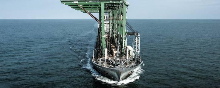 Stadil-familiens rederi Thorco Projects transporterer alt fra store kraner og jernstrukturer, vindmøllevinger og olierør.  Foto: Thorco Projects