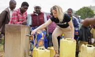 Unicef mærker en stor stigning i donationer fra private fonde. Her er det Susanne Dahl, direktør for partnerskaber og forretningsudvikling i Unicef, under et besøg i Ngoma i Rwanda. Projektet er støttet af bl.a. Hempelfonden. Foto: Unicef