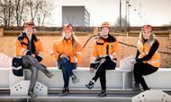 Fire kvindelige byggeledere på byggepladsen Rødovre Port. Her opfører CG Jensen et stort bolig- og erhvervsprojekt. Foto: Jesper Edvardsen - Contineo.