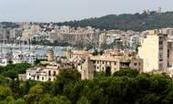 Spanien er eftertragtet af danskere, der søger feriebolig i udlandet. Her Palma de Mallorca. Foto: Hauke Christian Dittrichap/AP Foto.