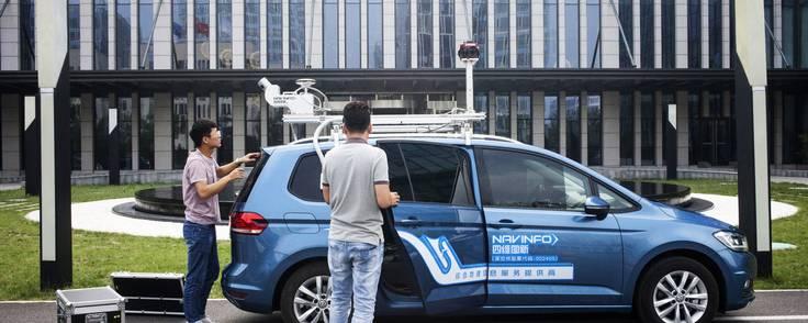 Medarbejdere hos NavInfo i Bejing indsamler data. Foto: Giulia Marchi/Bloomberg