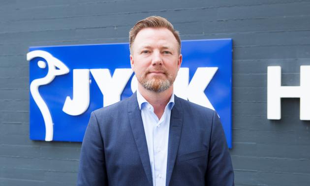 47-årige Jacob Brunsborg har selv tidligere været ansat i Jysk, men er nu formand for den familieejede koncern. Foto: Jysk PR.