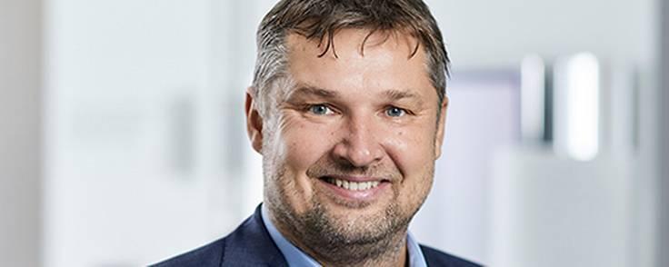 B&O's bestyrelsesformand, Juha Christensen, har tilsyneladende overbevist sin hustru om selskabets fortræffeligheder.